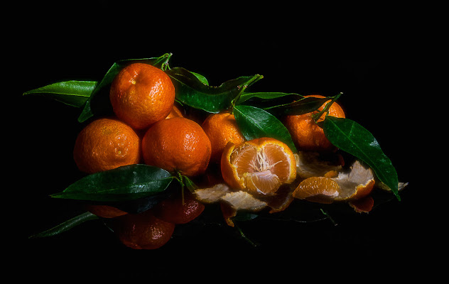 Foglie, foglie, foglie e.... mandarini di Maria Luisa Zoccolini