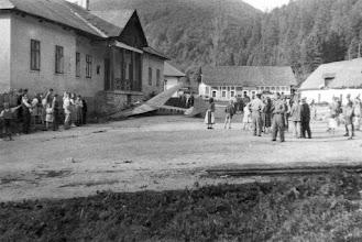 Photo: havarovaný LG-125 Šohaj / OK-8749 v Gápľi  archív p. Libora Šolína