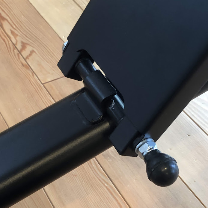 リーディングエッジ インクラインベンチ座面調整2