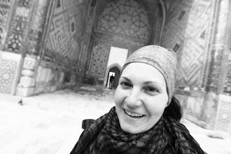 Photo: Evelinos džiaugsmai mečetės vidiniame kieme.  Evelina's happines while being in the mosque.