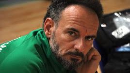Manolo Berenguel sigue soñando con levantar la Superliga.