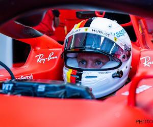 Vettel gaat het best om met natte omstandigheden in tweede vrije training, Mercedes en McLaren het dichtst in de buurt
