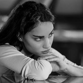 bw by Ivan Niznicki - People Portraits of Women