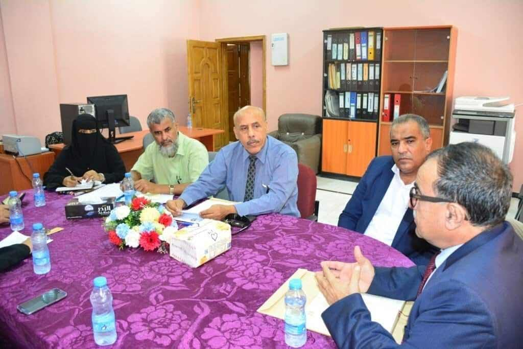 رئيس جامعة عدن يترأس مجلس كلية الصيدلة ويناقش عدداً من الأمور العالقة