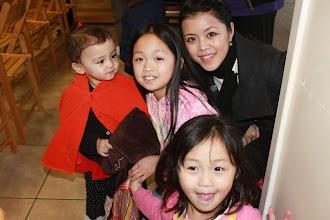 Photo: 快樂的孩子來拜年囉!