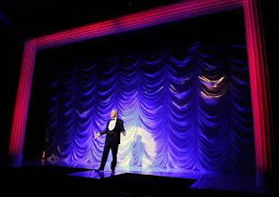 Photo: LA CAGE AUX FOLLES von Jerry Herman in den Wiener Kammerspielen der Josefstadt. Premiere 10.9.2015. Inszenierung: Werner Sobotka. Herbert Föttinger. Copyright: Barbara Zeininger