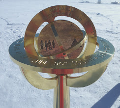 Photo: Amundsen side of the marker