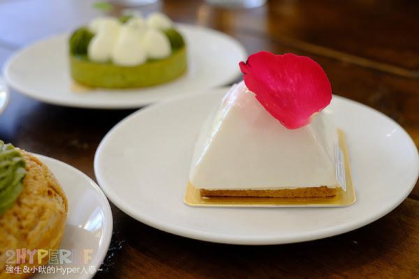 順道菓子店│日式小清新感甜點店,逛完清水國小可以順道來吃個泡芙蛋糕或是日系刨冰~
