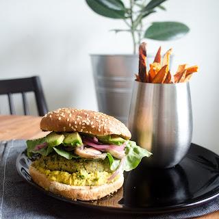 Curry/Chickpea/Kale Veggie Burger