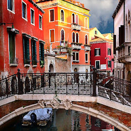 Venise - Sertiere di Castello by Gérard CHATENET - City,  Street & Park  Historic Districts
