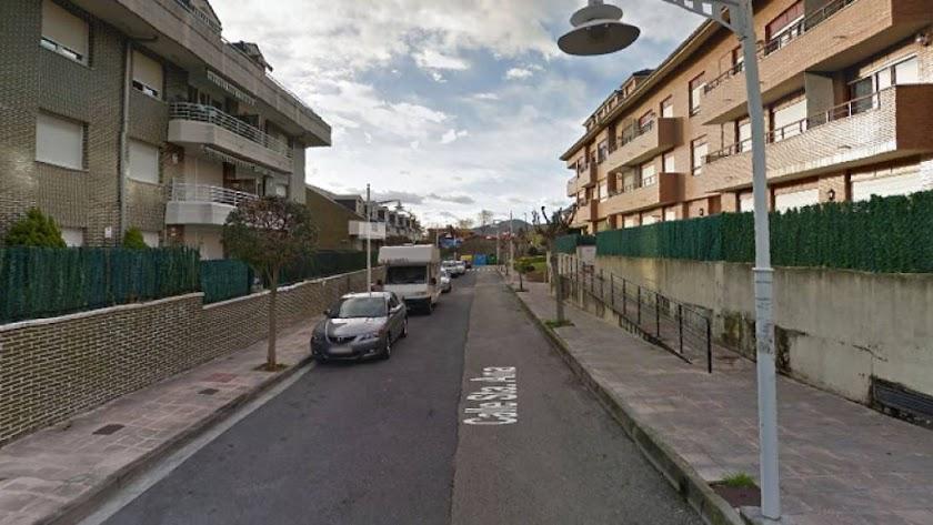 El hallazgo se produjo en una vivienda de la calle Santa Ana. / Google maps