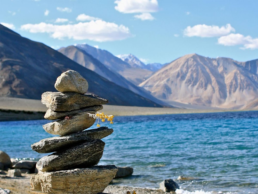 most-instagrammable-destinations-india-Pangong-Lake-image