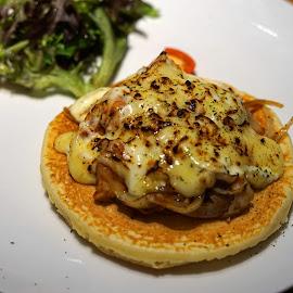 Pancake by Mulawardi Sutanto - Food & Drink Plated Food ( lezat, pancake, travel, enak, resto, food, bandung )