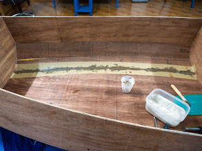 Photo: apply the thickened epoxy