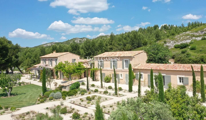 Property with garden Maussane-les-Alpilles