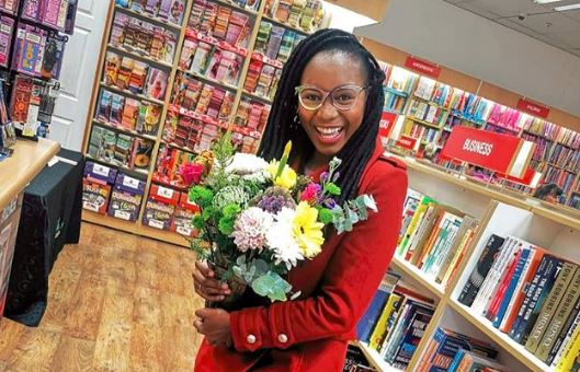 Author Jackie Phamotse has won an award from the African Icon Awards for her book and contribution to literature.