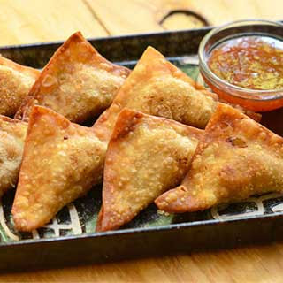 Pinsec Frito (Fried Dumplings)