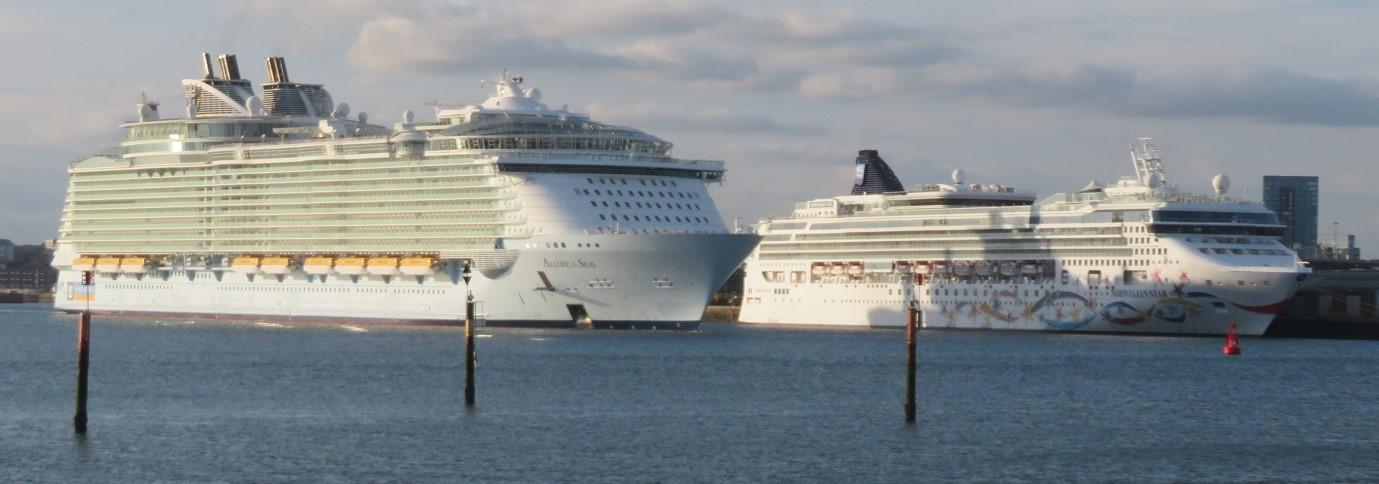 C:\Users\B\Downloads\Allure of the Seas passes Norwegian Star Southampton 200724.JPG