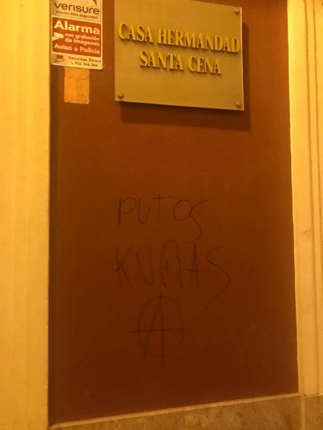 Acto vandálico en la casa de hermandad de la Santa Cena.