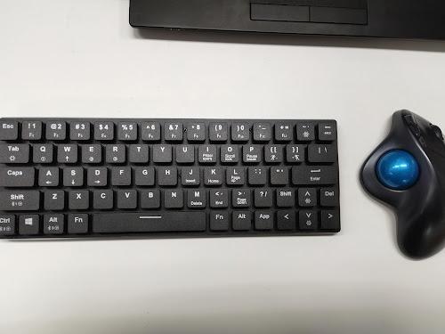 コンパクトなメカニカルキーボード