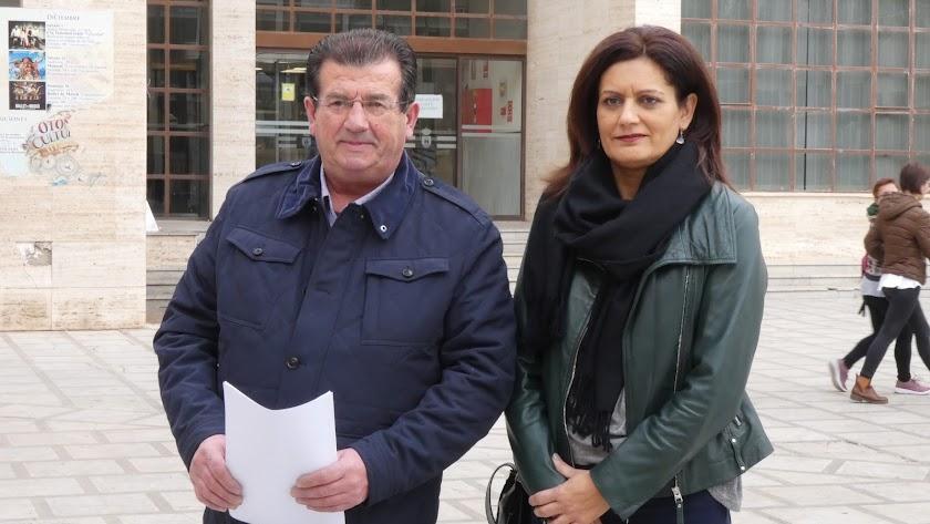 José Miguel Alarcón y María del Mar Suero, concejales del PSOE de El Ejido.