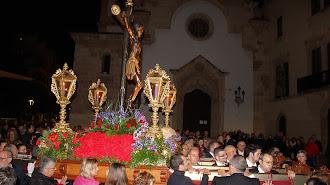 Ante el Santuario de la Patrona y con las puertas cerradas a cal y canto tuvo lugar la 4ª Estación.