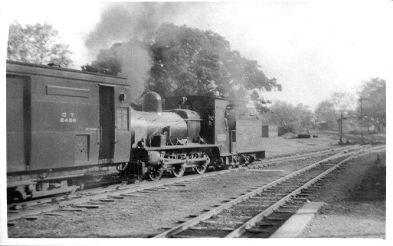 File:Oudh-Tirhut Railway F1 class 0-6-0 locomotive No. 620 shunting stock at Kathgodam station probably in April 1947. It was withdrawn by 1957.jpg