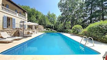 Villa 6 pièces 210 m2