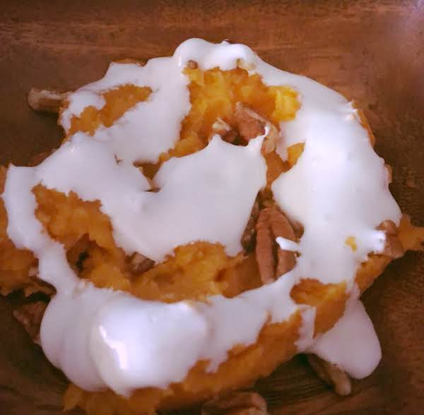 Mashed Sweet Potatoes With Pecan Marshmallow Gravy