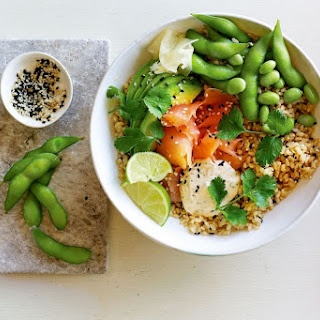 Jamie Oliver's easy brown rice and smoked salmon sushi bowls.