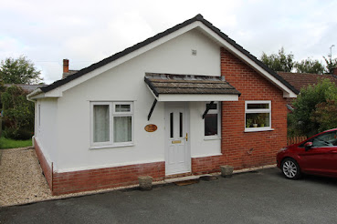 Trewern bungalow with no chain