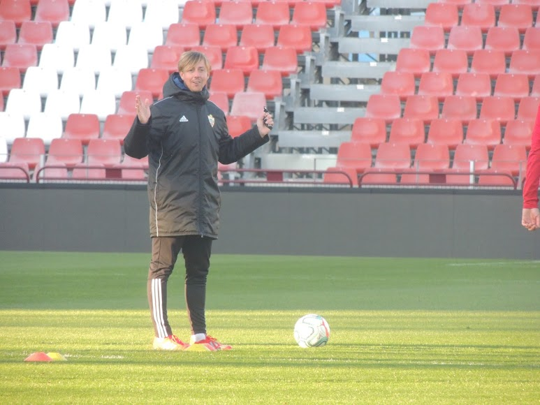 El entrenador del Almería.
