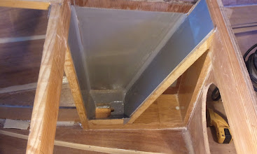 Photo: The interior of the mast box before gluing on the final side.