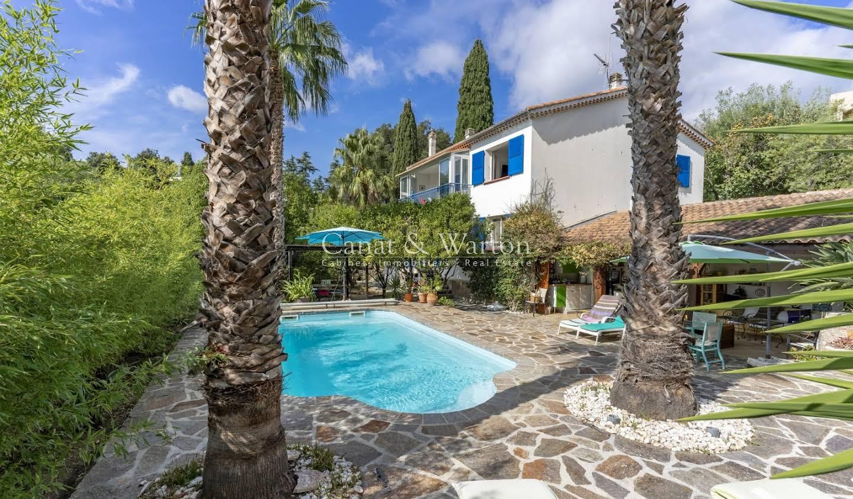 Villa with pool Le Lavandou