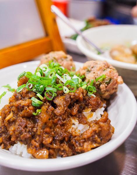 台中/第二市場–市場內人氣肉燥飯–嵐 肉燥飯專賣店