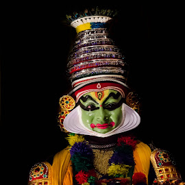 The Face Of The Chronicler-22 by Vijayanand Kandasamy - People Musicians & Entertainers ( face, dance form, kathakali dancer, traditional dance, kerala, painted faces, colours, face colours, colour, kerala traditional dance, tradition, kathakali dance, dance, dancer, kathakali )