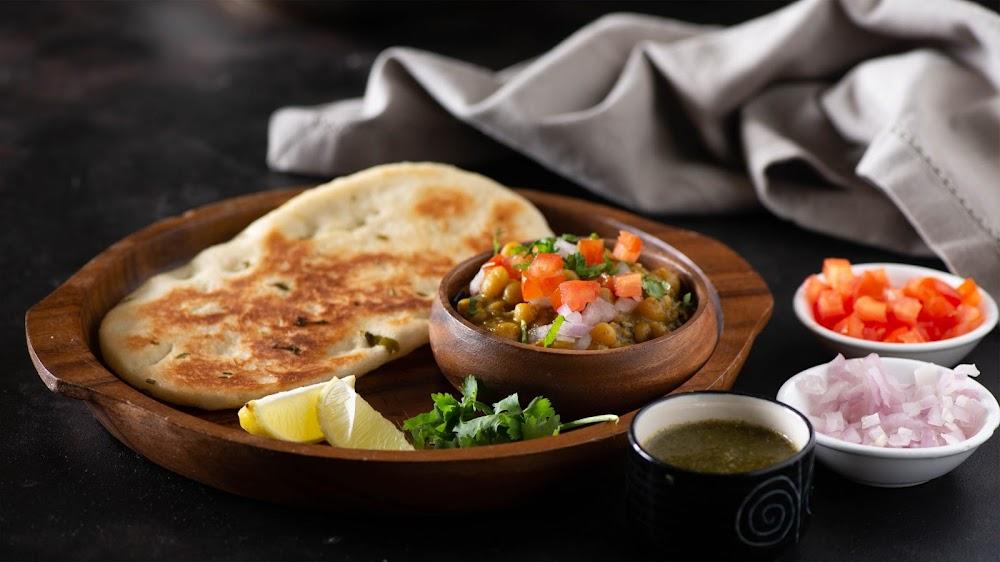 indian-street-food-_Matar_Kulcha