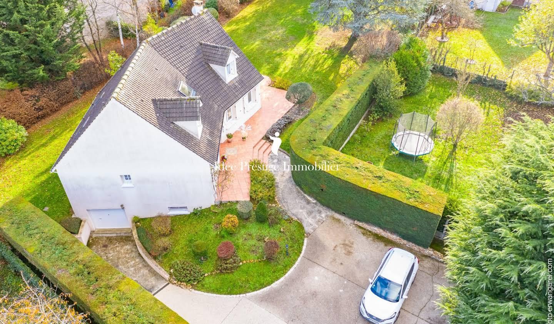 Villa avec terrasse Cesson