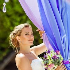 Wedding photographer Alesya Popova (intropics). Photo of 03.10.2015