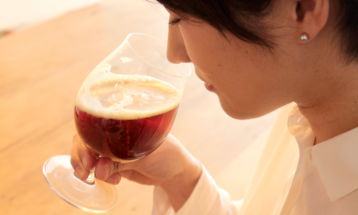 バーレーワインの香りを楽しむ