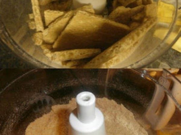 Preheat oven to 325 degreesIn a food processor put your 6 cinnamon graham crackers...
