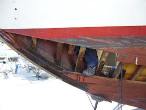 Photo: Port, I mean left foot on port side; lok at that massive hanging knee...