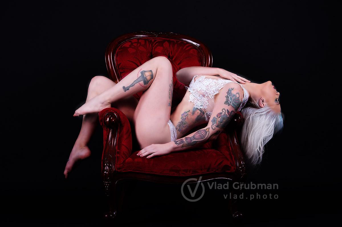 Glamour/boudoir shoot - photography by Vlad Grubman, Zealusmedia.com