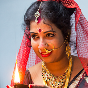 Bridal Moods of Indian Bride by Rajib Chatterjee - People Portraits of Women