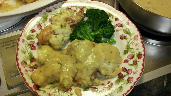 Pour gravy over and around the rabbit and dumplings to serve.