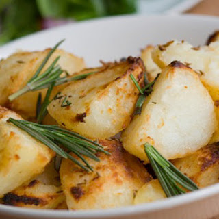 Slow Cooker Homestyle Potatoes with Garlic and Rosemary.
