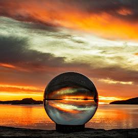 by Bjørn Bjerkhaug - Artistic Objects Glass