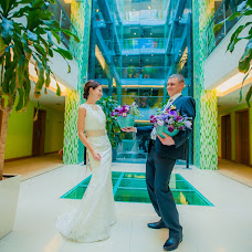 Wedding photographer Valentin Chernov (Valtron). Photo of 26.04.2014