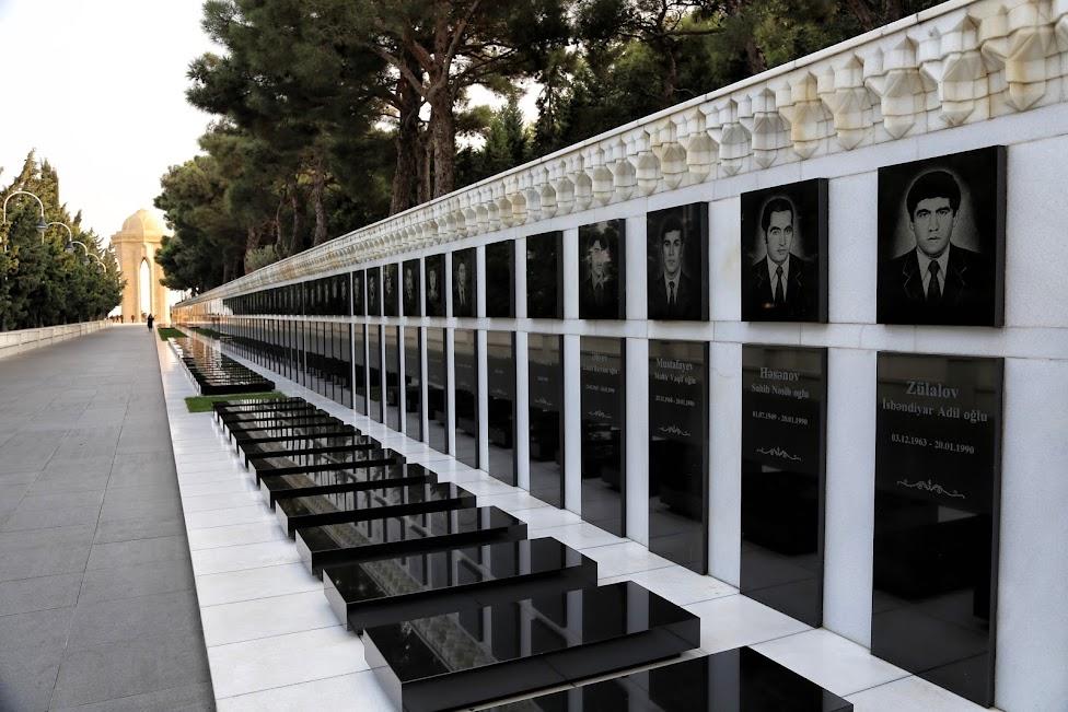 Baku, pomnik pomordowanych