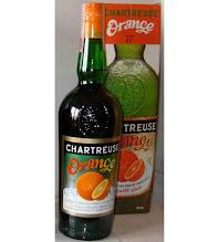 Photo: Après la myrtille voici l'orange !  Autre produit révolu, cette déclinaison de la chartreuse lancée dans les années 1970 a disparu de la gamme dans le courant de la décennie suivante...